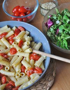 Creamy Pasta with Roasted tomatoes made with Oat milk! Great #recipe for #vegan kids!