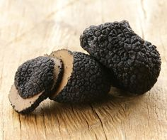 Scientists unearth secrets of Périgord truffles, the culinary 'black diamond' -- ScienceDaily