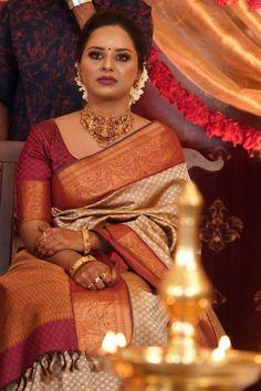 Engagement Saree, Engagement Dresses, Indian Bridal Sarees, Bridal Silk Saree, Wedding Jewelry Sets, Bridal Jewelry, Saris, Silk Sarees, Saree Styles