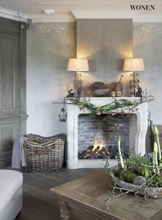 a charming and rustic room and fireplace Room Inspiration, Interior Inspiration, Decoration Shabby, Interior And Exterior, Interior Design, Deco Addict, Fireplace Mantels, Fireplaces, Mantles