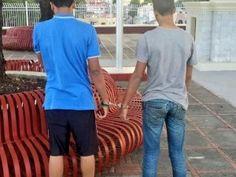 Alcaldía Santiago publica foto de jóvenes esposados; dice fueron sorprendidos teniendo sexo en parque