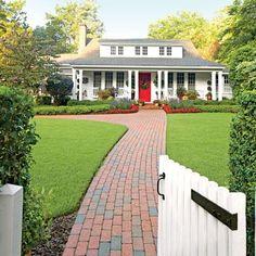 Inspiring North Carolina Garden: Front Lawn