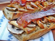 Cheesesteak, Baked Goods, Baking, Breakfast, Ethnic Recipes, Food, Morning Coffee, Bakken, Essen