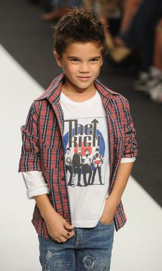 "Fashion Kids For ""Children In Crisis"" - Milan Fashion Week Womenswear Spring/Summer 2012 - Pictures"