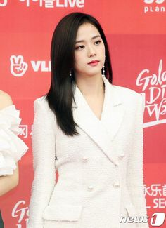 Blackpink attend the Golden Disc Awards Red Carpet Blackpink Jisoo, Kim Jennie, Yg Entertainment, South Korean Girls, Korean Girl Groups, Divas, Black Pink ジス, Golden Disk Awards, Blackpink Members