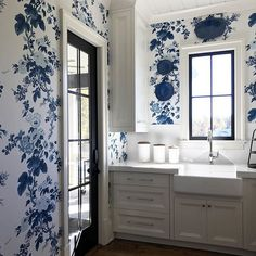 Love love love seeing the full repeat of this wallpaper! The crisp white cabinets and black windows are the icing on the cake! #blueandwhite #blueandwhiteforever #allwhiteeverything #whitecabinets #schustagram #schustagram2017