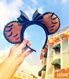 🎃 It's Good to be a Bat 🎃 Minnie Mouse Disney Ears - DIY Mickey Mouse Ears Inspiration - Disney Diy, Diy Disney Ears, Disney Crafts, Disney Halloween Ears, Halloween Headband, Disneyland Halloween, Disney Minnie Mouse Ears, Disney Headbands, Diy Y Manualidades