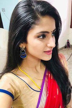 Image may contain: 2 people, closeup Beautiful Girl In India, Beautiful Women Over 40, Most Beautiful Indian Actress, Beautiful Wife, Beautiful Saree, Cute Beauty, Beauty Full Girl, Long Indian Hair, Bridal Hair Buns