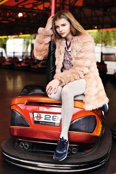 Chloë Grace Moretz - #furonline Add, Like, Share!