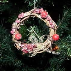 Homemade Christmas Ornaments - Mini-Christmas Wreaths