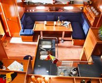 Pthumbs_bavaria51cruiser_sail_boat_rent_charter_in_greece_galley_saloon