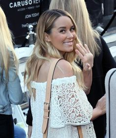 Photo of Lauren Conrad's First Maternity Dress Says a Lot About Her Future Style 90210 Fashion, White Maternity Dresses, Lauren Conrad Style, Kylie Lips, Cali Girl, Medium Hair Styles, Style Icons, Future, My Style