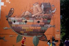 """Con el nombre de """"El viajero"""", el mural realizado por los artistas Esther del Prado y Octavio Alegría, del colectivo Alegría del Prado."""