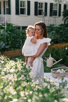 Mom And Baby, Mommy And Me, Baby Love, Baby Photos, Family Photos, Couple Photos, Cute Kids, Cute Babies, Gal Meets Glam