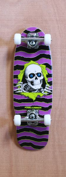 Vibrant color make this skateboard pop. the skull character looks like it is really coming lout of the board through shadow use.