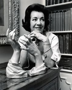 Lily Pons with her Helen Liedloff hands sculpture