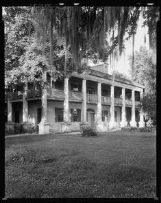 Cottage Plantation aka Hackberry Hall, South of Baton Rouge, LA Southern Plantation Homes, Southern Mansions, Plantation Houses, Southern Homes, Southern Living, Greek Revival Architecture, Southern Architecture, Classical Architecture, Amazing Architecture