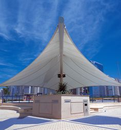 Central to the Abu Dhabi Corniche are a series of tensioned fabric structures which provides shade and shelter while enhancing the beauty of the area. Architectural Engineering, Fabric Structure, United Arab Emirates, Beautiful Architecture, Abu Dhabi, North America, Shades, Australia, Building