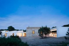 Arhitectura traditionala adusa in modernitate #renovare #arhitectura #casetaranesti