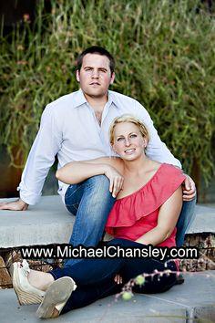 Fun Engagement Session Portrait Photo Ideas In Downtown Tucson Az Arizona Taken By Michael Chansley Photography Photos Wedding Kissing Tucso