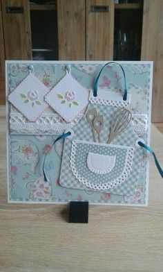 Schort 'Marianne design' More cricutcards Cute Cards, Diy Cards, Your Cards, Cricut Cards, Stampin Up Cards, Mothers Day Cards, Card Tags, Recipe Cards, Creative Cards