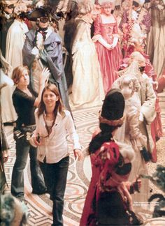 Sofia Coppola on the set of her film, Marie Antoinette. Sofia Coppola, Marie Antoinette Movie, Star Pictures, Film Stills, Film Director, Popular Culture, On Set, In Hollywood, Picture Photo