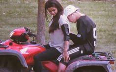 Justin Bieber posta foto com Selena Gomez no Instagram e deixa fãs eufóricos #ExNamorada, #Instagram, #JustinBieber http://popzone.tv/2015/12/justin-bieber-posta-foto-com-selena-gomez-no-instagram-e-deixa-fas-euforicos.html