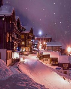 Winter night in Valais 💜💜💜 . Pic by ✨ for a feature 💜 Winter Wonderland, Hotel In Den Bergen, Beautiful World, Beautiful Places, Wonderful Places, Polaroid Foto, I Love Winter, Winter Scenery, Winter Magic