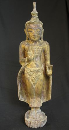 Antique Buddha statue [Material: Wood] [80,5 cm high] [18th century] [Goldplated] [Originating from Burma]
