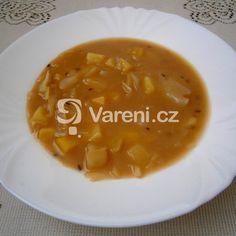 Rychlá polévka z kyselého zelí a pohanky - Vareni.cz Cantaloupe, Soup, Fruit, Ethnic Recipes, Soups
