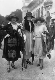 1918 Fashion, Fashion History, Vintage Fashion, Colorful Pictures, Old Pictures, Mode Vintage, Vintage Ladies, Edwardian Era, Victorian