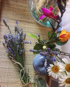 Ready for drying and home decor Love Flowers, Dried Flowers, Handmade Items, Handmade Gifts, Home Workshop, Flower Art, Picture Frames, Glass Vase, Etsy Seller