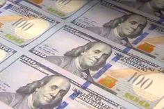 El dólar libre marcó un nuevo récord: 14,20 pesos http://www.ambitosur.com.ar/el-dolar-libre-marco-un-nuevo-record-1420-pesos/ La divisa subió 22 centavos o 1,6% en el mercado paralelo. En el año acumuló un alza de 41,4%. El dólar oficial se mantuvo sin cambios a $8,48, según el promedio del BCRA.    El dólar libre vuelve a marcar un nuevo récord histórico para la venta. La divisa sube 22 centavos