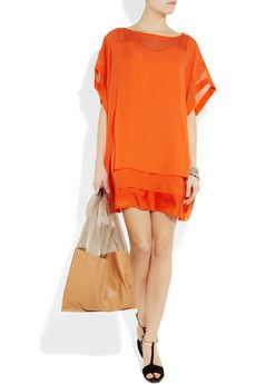 DVF. Trending now: tops that softly float away from the body, with just a little structure.