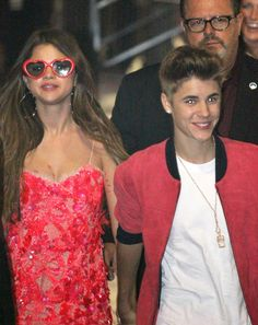 Selena Gomez PDA Pictures With Justin Beiber   POPSUGAR Celebrity Photo 8