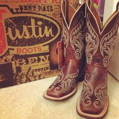Justin square toed cowboy boots: