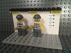 LEGO-POLICE-LINEUP-Prisoner-Minifigures-Handcuffs-Jail-Prison-Cop-LAPD-NYPD-City