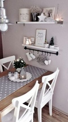 Romantische Küche, pastellfarbene Wand is part of Romantic kitchen - Romantic Kitchen, Shabby Chic Kitchen, Kitchen Decor, Diy Kitchen, Kitchen Ideas, Kitchen Images, Shabby Chic Ikea, Kitchen Interior, Kitchen Storage