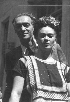 Frida Kahlo and Hungarian-born photographer Nickolas Muray had an affair during the 1930s. Photo by Nickolas Muray. His 1938 portrait of Kahlo became one of his most famous works. (Facsimile photograph from collection of the Frida Kahlo Museum, Coyoacán, Mexico. They are reproductions of the original photographs owned by the Frida Kahlo Museum and Banco de México, Fiduciary in the Trust of the Museums Diego Rivera and Frida Kahlo. )) #fridakahlo