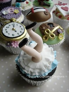 RP Yes yes yes!! Alice(1951) is my favourite animated film!! // #RP #RePin Alice in Wonderland Cupcakes