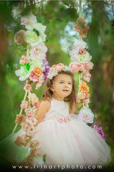 Gorgeous for a spring photoshoot! Spring Photography, Photography Props, Children Photography, Photography Flowers, Spring Pictures, Easter Pictures, Toddler Photos, Princess Photo, Cute Photos
