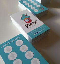 Przygotowaliśmy logo firmowe dla kawiarni Peron w Bielsku-Białej. Przedstawiamy cały proces projektu w naszej agencji. Od szkicu do realizacji na materiałach typu: kupki, torby itp. Dobrze przygotowane logo to podstawa sukcesu każdej firmy dlatego zaczynamy zawsze od tego.