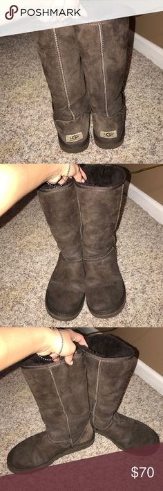 Uggs gently used size 8 Great condition!! Bottoms discolored but not and signs of wear on the soles and no stains or flaws UGG Shoes Winter & Rain Boots