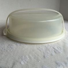 Vintage Tupperware Cake Taker Carrier / Ten Inch Circular Cake Carrier by vintagepoetic on Etsy