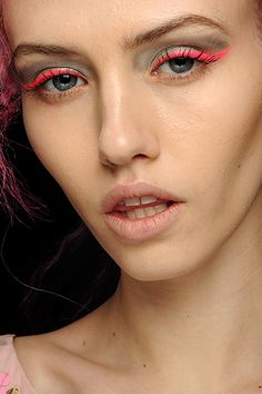neon pink eyeliner! more #CiCihot #inspiration ...Gotta love Neon Accents! Head on over to www.cicihot.com for more Neon LOVE ;)
