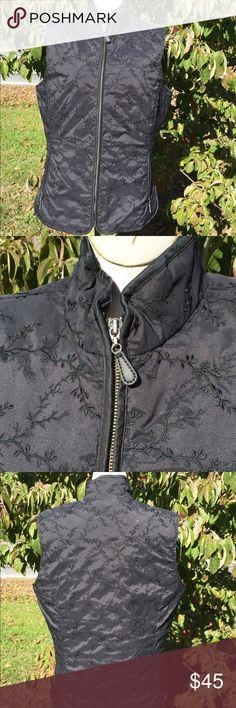 Eddie Bauer Down Vest Size Tall Large Super gently preowned. Size tall large. Eddie Bauer Jackets & Coats Vests