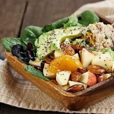 Detox salad with avocado, quinoa and spinach. Detox salad with avocado, quinoa and spinach. Healthy Salads, Healthy Eating, Healthy Recipes, Healthy Options, Healthy Fats, Diet Recipes, Chicken Quinoa Salad, Detox Salad, Snacks Saludables