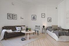 Salón dormitorio en tonalidades grises / Da la bienvenida al otoño y decora tu hogar con las nuevas tendencias #hogarhabitissimo