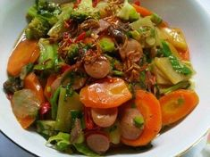 Cap Cay Goreng Rumahan Indonesian Cuisine, Indonesian Recipes, Caprese Salad, Vegetable Recipes, Catering, Curry, Food And Drink, Menu, Cooking Recipes