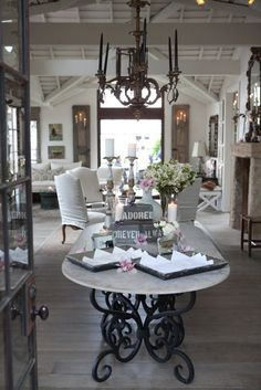 Amazing! Love tables in entryways... and everything else in this picture!